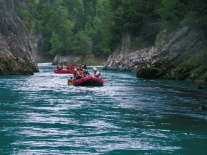 ack_rafting_action02
